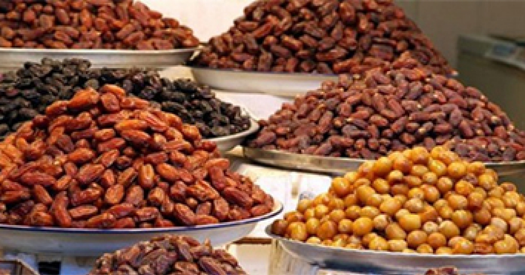 ?What foods can be made with dates